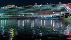 """""""Resort bơi trên biển"""" và sự sang chảnh gây choáng cho cả giới siêu giàu"""