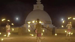 Những người không sợ nguy hiểm, biến ngọn lửa thành vũ điệu huyền ảo