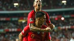 """Clip: Italia """"ôm hận"""" trước Bồ Đào Nha"""