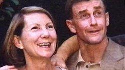 Vết máu trong quần vạch mặt nhà văn giết vợ vì lộ quan hệ với trai bán dâm