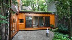 """Nhà nhỏ nằm giữa rừng nhưng tiện nghi hiện đại khiến ai cũng """"thèm"""""""