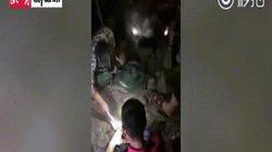 """TQ: Đào được """"kho báu"""" trong đống đổ nát sau siêu bão Mangkhut"""