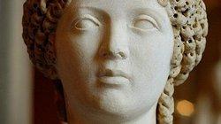Sở thích tình dục quái đản của hoàng đế cưới... nô lệ nam