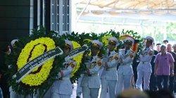 Viếng quốc tang Chủ tịch nước, vì sao không mang vòng hoa?