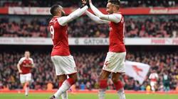 Huyền thoại Arsenal chỉ cách dùng Aubameyang và Lacazette