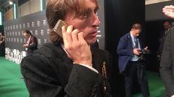 Siêu sao Modric hưởng lương 275 tỷ đồng/năm vẫn xài iPhone 5s