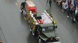 Clip: Xe tang chở linh cữu Chủ tịch nước về đến quê nhà