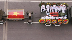 Xe tang đưa linh cữu Chủ tịch nước về quê hương Ninh Bình