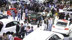 """Đua giảm giá, thị trường ô tô """"bẻ lái"""" tránh đổ dốc"""