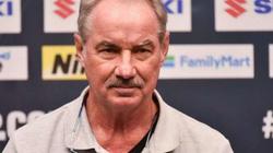 HLV Alfred Riedl chỉ ra lý do khiến cầu thủ Việt Nam khó tới châu Âu