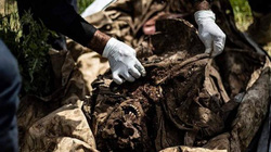 Phát hiện ngôi mộ tập thể 200 người bị IS hành quyết ở Syria