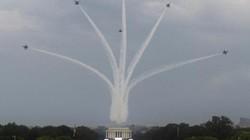 Máy bay quân sự Mỹ phô diễn sức mạnh trong lễ mừng quốc khánh