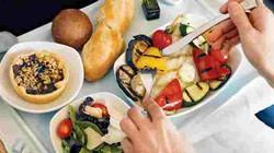 Tò mò những bữa ăn trên trời của các hãng hàng không trên thế giới