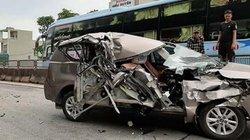 Xe 7 chỗ biến dạng, vỡ nát sau cú tông liên hoàn trên quốc lộ 1A