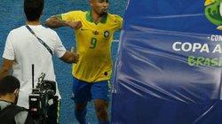 """Nhận thẻ đỏ ở chung kết Copa America, Jesus khóc như mưa, """"tấn công"""" VAR"""