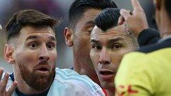 """Messi có thể bị CONMEBOL phạt nặng vì tội """"lèm bèm"""""""