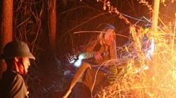 ẢNH: Hơn 500 người trắng đêm dập lửa cứu núi Nầm