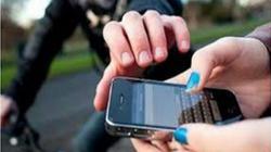 Thanh niên đi xe SH chặn xe cướp tài sản, sàm sỡ phụ nữ