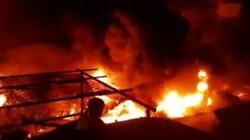Khu chợ cháy ngùn ngụt trong đêm, ước thiệt hại hàng chục tỷ đồng