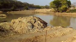 Lo thảm họa, quốc gia châu Phi đóng cửa một lúc 4 mỏ khai thác vàng của TQ