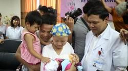 Tin vui đến với người mẹ ung thư vú giai đoạn cuối từ chối điều trị để sinh con