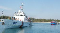 Đưa 6 ngư dân cùng tàu cá trôi 2 tuần trên biển vào bờ an toàn