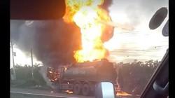 Bé 6 tuổi chết cháy bên cha trong vụ xe bồn và xe tải va chạm kinh hoàng