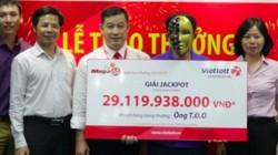 Người đàn ông ở Nghệ An giấu gia đình đi nhận jackpot hơn 29 tỉ đồng