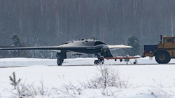 """""""Thợ săn"""" Okhotnik-B của Nga: Siêu tiêm kích sở hữu uy lực khủng khiếp"""