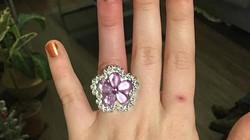 Cô gái hớn hở khoe được chồng sắp cướp bán nhà mua nhẫn kim cương tặng, dân mạng dậy sóng