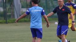 Vì sao HLV Park Hang-seo chưa cho U22 Việt Nam tập sân cỏ nhân tạo?