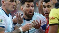 """Messi CHÍNH THỨC nhận án phạt từ LĐBĐ Nam Mỹ vì... """"vạ miệng"""""""