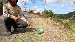 Phun thuốc diệt cỏ ven QL 24: Sẽ giảm trừ kinh phí bảo trì