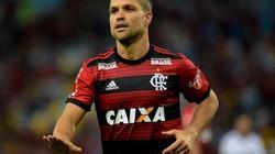 VIDEO SỐC: Bị phạm lỗi, cầu thủ Brazil gãy lìa cổ chân