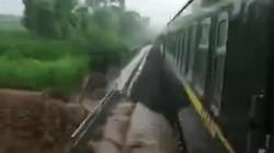 Lái tàu chạy lùi tránh lũ dâng cao cứu mạng hàng trăm hành khách