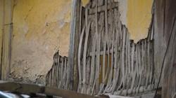 Ảnh: Khu tập thể bằng gỗ xuống cấp trầm trọng giữa lòng Thủ đô