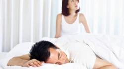"""Đang """"lâm trận"""" 2-3 lần/ngày, bỗng dưng chồng chán ngán, vợ gạ gẫm cũng không chiều"""
