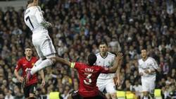 Chàng thanh niên tái hiện cú đánh đầu ở độ cao 2,65m của Cristiano Ronaldo vào lưới M.U