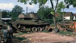 Hình độc về phế liệu chiến tranh ở Quảng Trị năm 1972