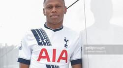 Quá chén, cựu cầu thủ Tottenham giao lưu với CĐV bằng phim sex