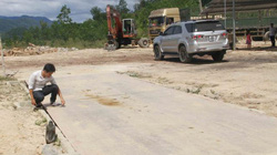 TT- Huế: Trạm cân thu mua gỗ không phép ngang nhiên hoạt động