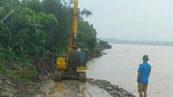 Sạt lở bờ sông Thao nghiêm trọng, khẩn trương khắc phục giữa mưa bão