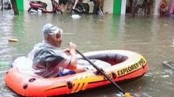 Bão Wipha qua đi, người dân Hải Phòng mang thuyền ra dạo phố