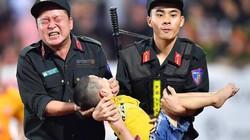 Chiến sĩ CSCĐ chia sẻ về khoảnh khắc cho cháu bé cắn chặt tay