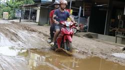 Yên Bái: Người dân khốn khổ vì đường liên xã lầy lội như... ruộng