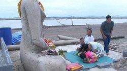 Thái Lan: Tượng Phật không đầu lộ diện sau nhiều năm bị chôn vùi dưới hàng triệu m3 nước
