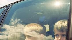 Những kỹ năng thoát hiểm cho trẻ nếu không may bị bỏ quên trên ô tô