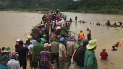 Clip: Vỡ đê ở Đắk Lắk, hàng trăm cán bộ chiến sĩ giúp dân cứu lúa