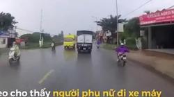 Khoảnh khắc kinh hoàng tài xế cứu mạng nữ Ninja ngã trước đầu xe