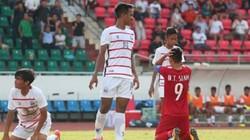 """HLV Hoàng Anh Tuấn nếm trái đắng vì """"ruồng bỏ"""" cầu thủ HAGL?"""